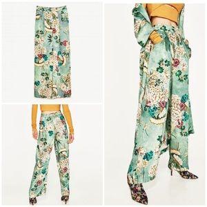 EUC Zara Floral Fauna Silky Palazzo Trouser Pant